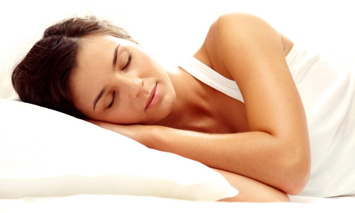 7 alimentos que ajudam a dormir melhor